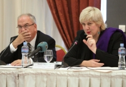 The OSCE Representative on Freedom of the Media, Dunja Mijatovi�? (r), speaking during her first official visit to Skopje, alongside the Head of the OSCE Mission to Skopje, Ralf Breth, Skopje, 27 October 2011. (Source: OSCE)