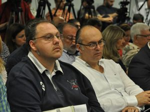 Nedim Sejdinovic, president of the Independent Journalists Association of Vojvodina [left]. Photo: Media Centre Belgrade